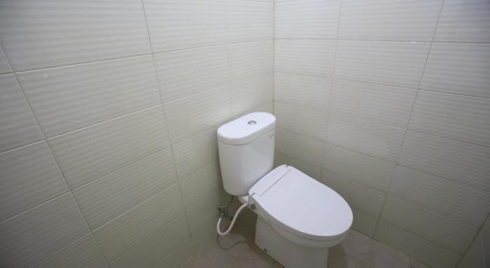 RedDoorz @Karet Pedurenan 2 Jakarta - Kamar mandi