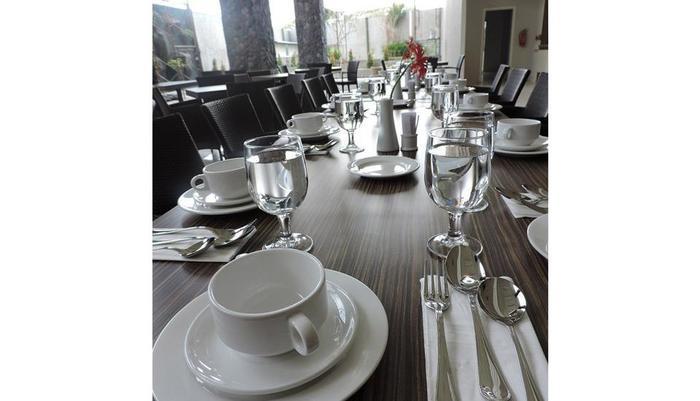 The Balava Hotel Malang - Tata Meja Makan