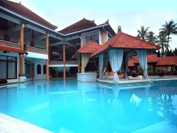 Royal Trawas Mojokerto - Kolam Renang