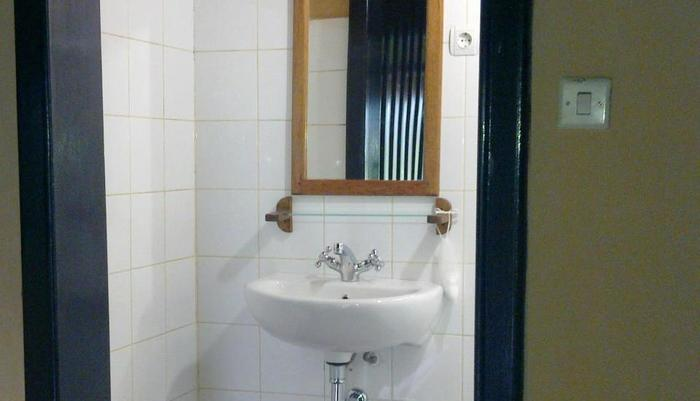 Ue Datu Cottages Poso - Bathroom