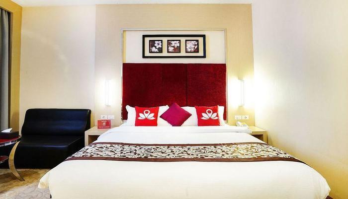ZenRooms Near BCS Mall Penuin Batam - Tampak tempat tidur double