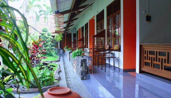 Hotel Kusuma  Yogyakarta - View