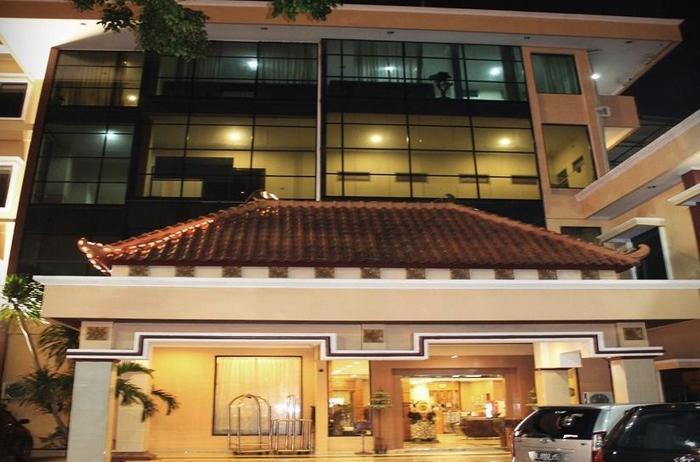 New Siliwangi Hotel Semarang - Tampilan Luar Hotel