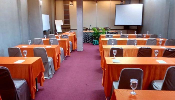 New Siliwangi Hotel Semarang - Meeting room