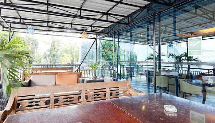 ZenRooms Soekarno Hatta Buah Batu - Restoran