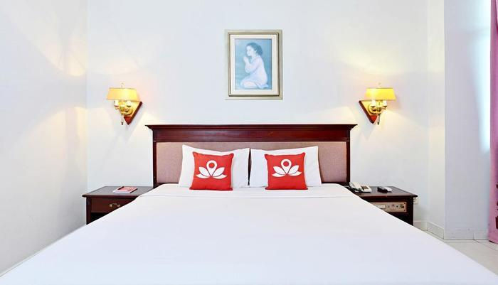 ZenRooms Soekarno Hatta Buah Batu - Tampak tempat tidur double