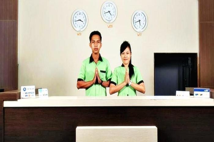Estate Hotel Kendari - Resepsionis