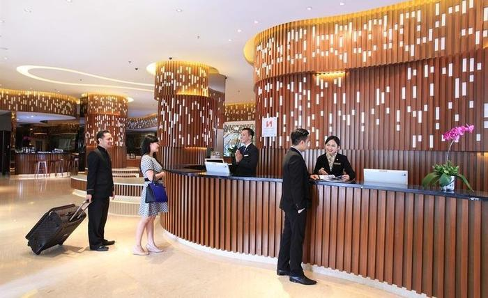 Hotel Swiss-Belinn Kemayoran - Receptionist
