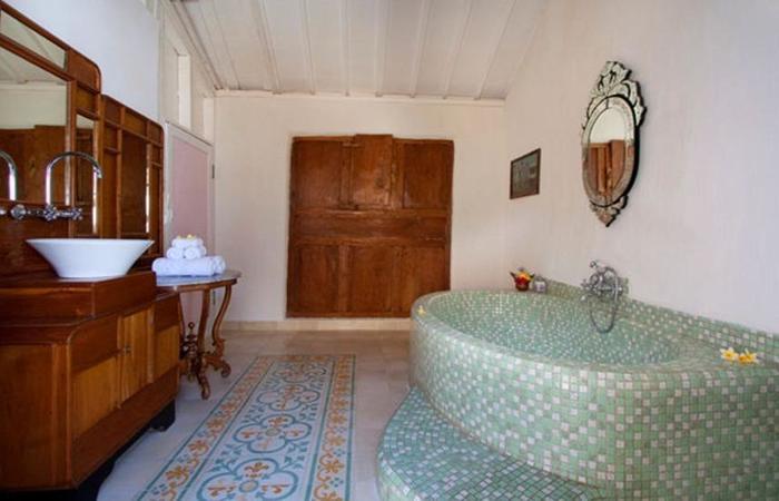 Hotel Puri Tempo Doeloe Bali - Kamar mandi