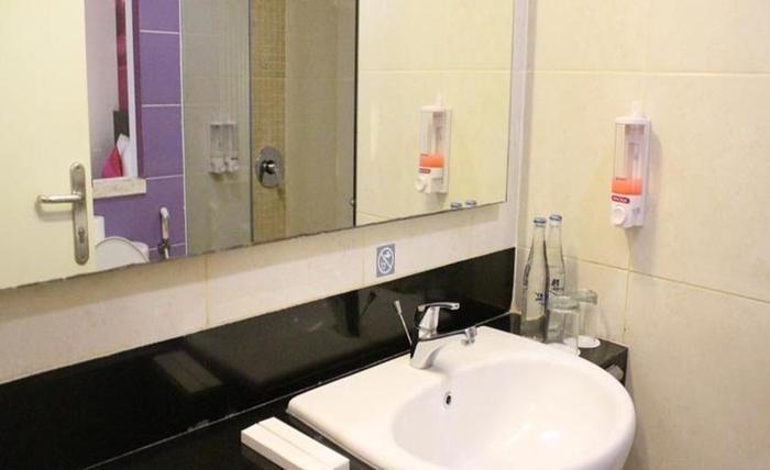 Primera Hotel Seminyak - Kamar mandi