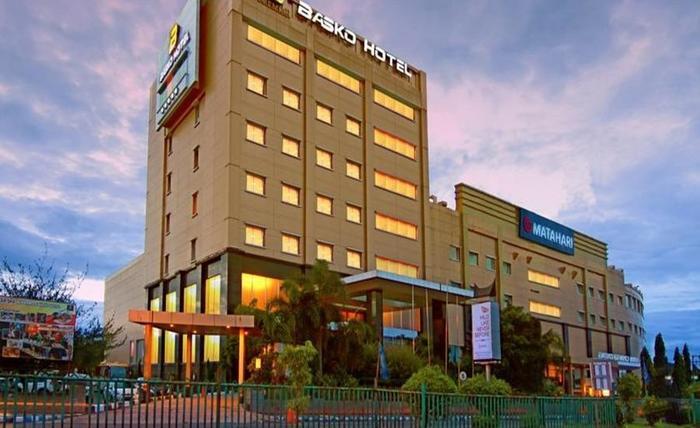 Premier Basko Hotel Padang - Eksterior