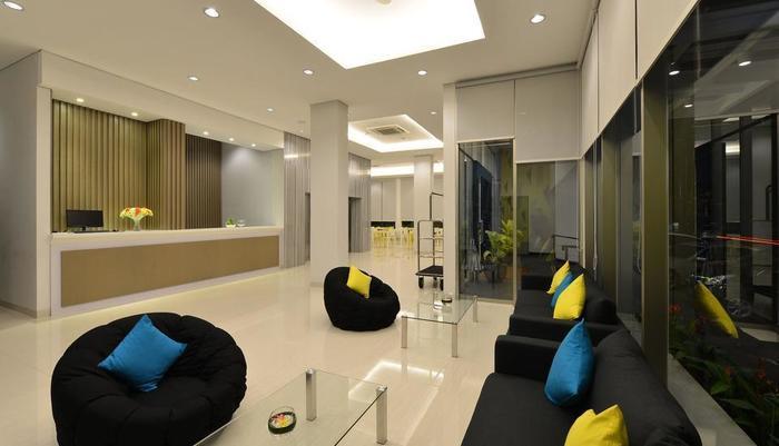 Everyday Smart Hotel Mayestik - Lobby