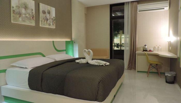 Dewarna Hotel  Bojonegoro - Deluxe Pool