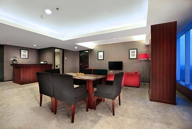 Aston Madiun Hotel Madiun - President Suite Living Room