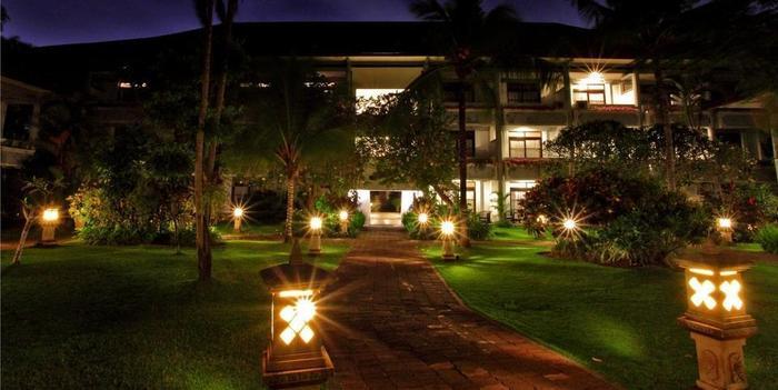 Puri Saron Hotel Seminyak - Bangunan kamar deluxe