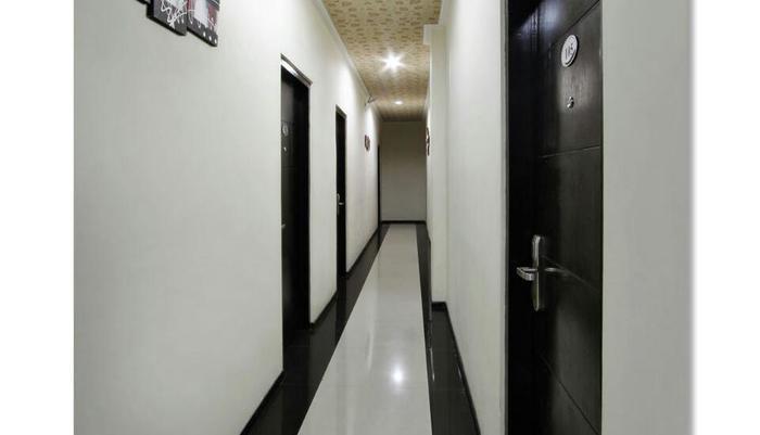Laksana Inn Solo - Kamar Hall