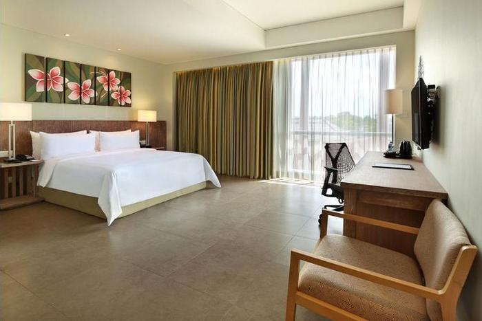 Hilton Garden Inn Bali Ngurah Rai Airport - Dining