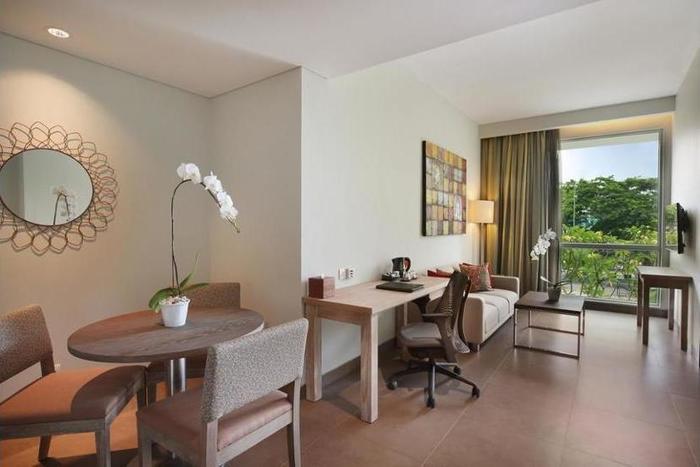 Hilton Garden Inn Bali Ngurah Rai Airport - Living Area