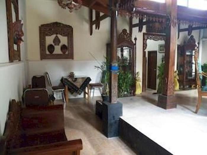 Griya Nalendra Guest House Jogja - Lobby Sitting Area