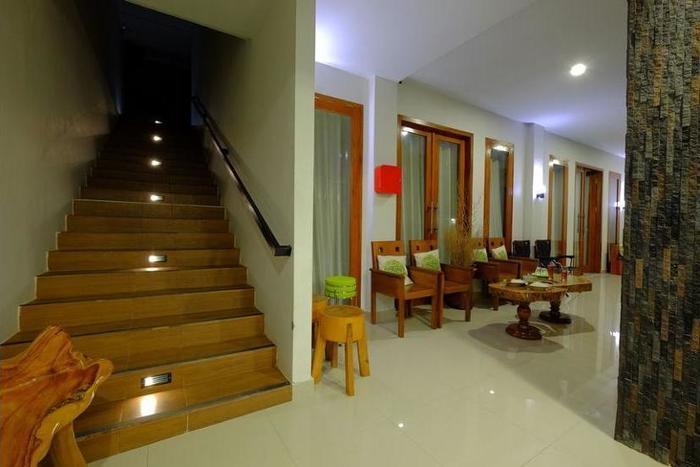 Villa Mataano Lombok - Lobby Sitting Area
