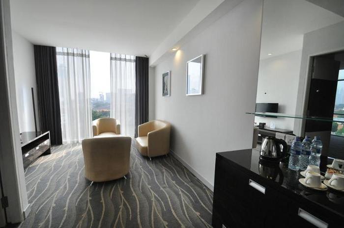 DREAMTEL Hotel Jakarta - Featured Image