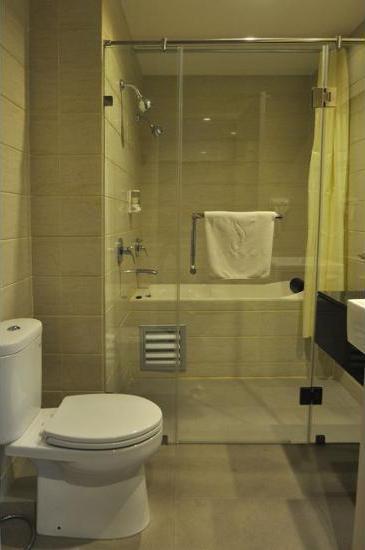 DREAMTEL Hotel Jakarta - Bathroom