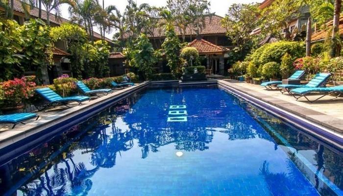 Dewa Bharata Bungalows Legian Bali - Kolam Renang