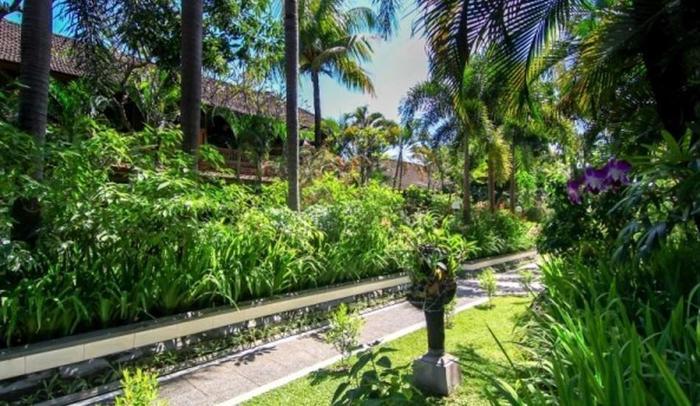 Dewa Bharata Bungalows Legian Bali - Taman