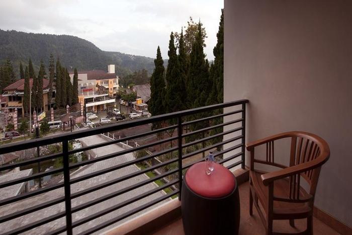 Hotel Grand Bintang Tawangmangu - Balkon