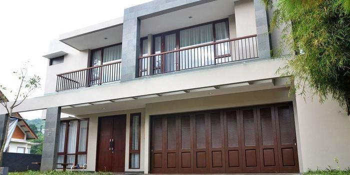 Indah Villa Dago Bandung -
