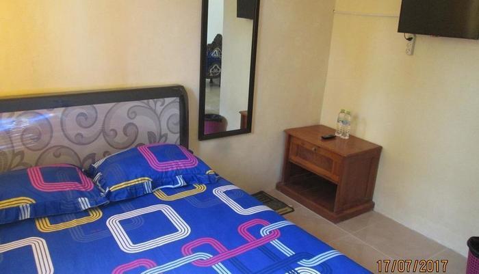 Hennoyustian Homestay Lamongan - bedroom