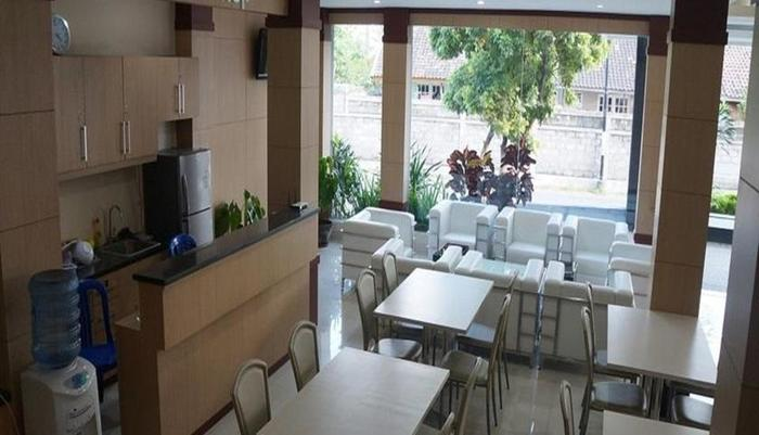 Tembok Batu Residence Yogyakarta - Kedai kopi