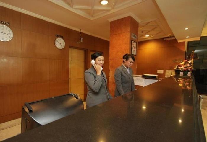 Hotel Kaisar Jakarta - Front Desk