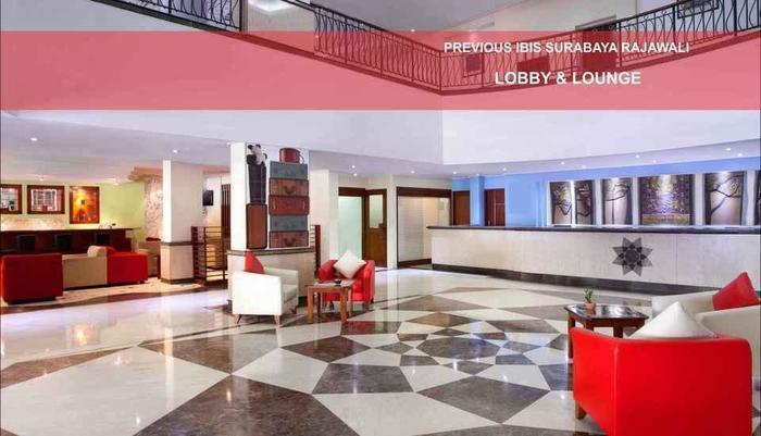 Hotel Arcadia Surabaya - ruang lobby yang luas