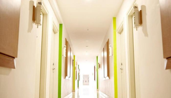 MaxOneHotels at Resort Delia Makassar - Koridor