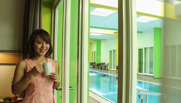MaxOneHotels at Resort Delia Makassar - View Kolam