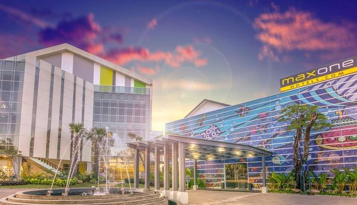 MaxOneHotels at Resort Delia Makassar - Hotel Facade