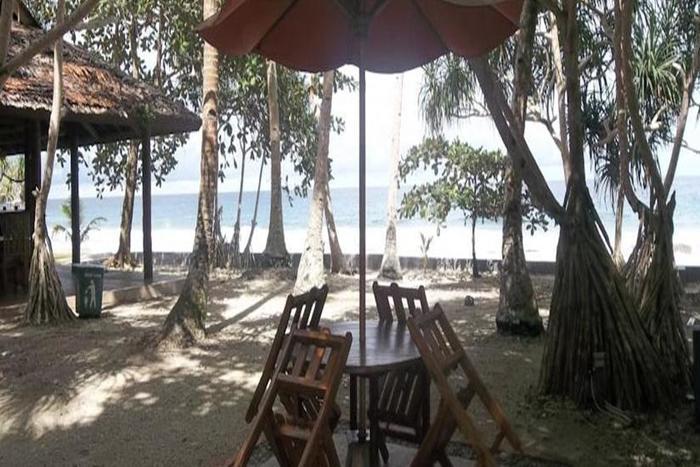 Collin Beach Hotel Ambon - Eksterior