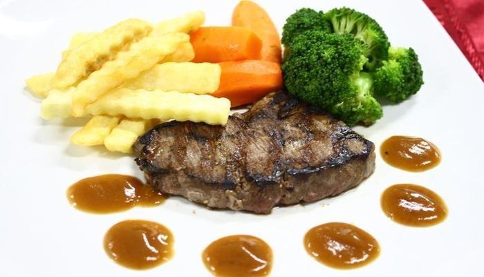 Grand Orchid Solo - Steak daging sapi