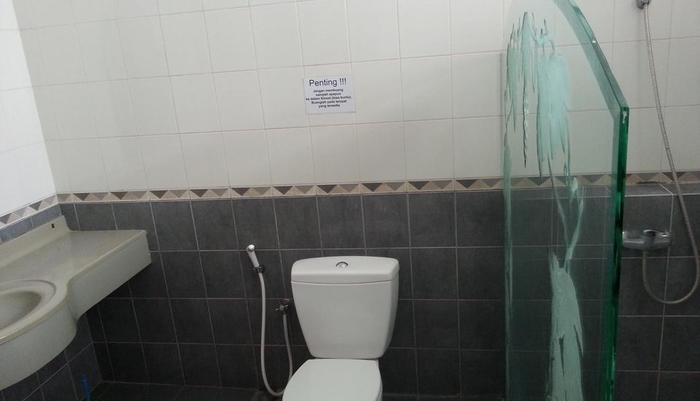 Homestay Kalijudan Surabaya - Kamar mandi