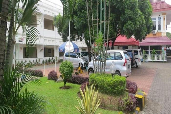 Hotel Pelangi Malang - Area parkir