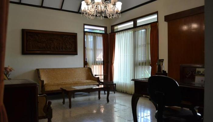 Sasono Putro Guest House Yogyakarta - Eksterior