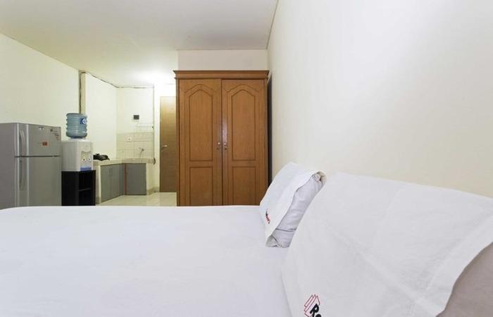 RedDoorz Apartment @Pulo Gadung Jakarta - Kamar tamu