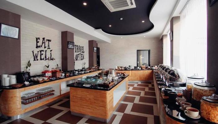 Golden Tulip Essential Belitung - Buffet Breakfast
