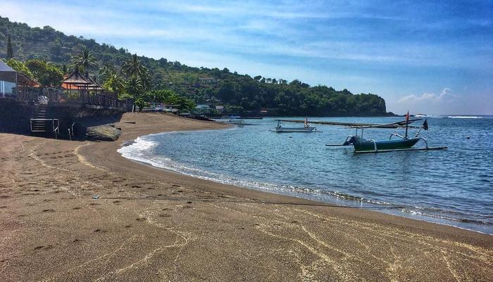 At The Beach Candidasa Bali - pantai