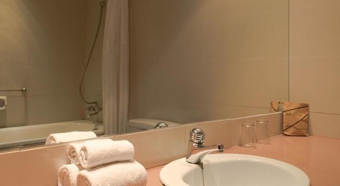 Hotel Gajahmada Pontianak - toilet