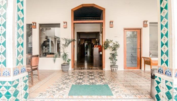 Hotel Djagalan Raya Surabaya - Pintu Masuk