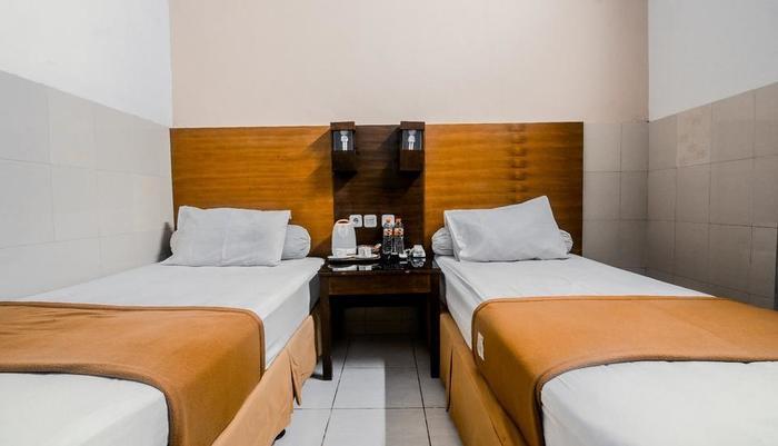 Hotel Djagalan Raya Surabaya - Deluxe Twin