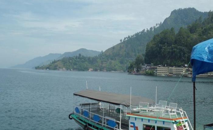 Atsari Hotel Parapat Parapat - Danau