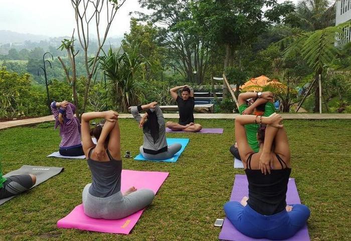 Clove Garden Hotel Bandung - Yoga